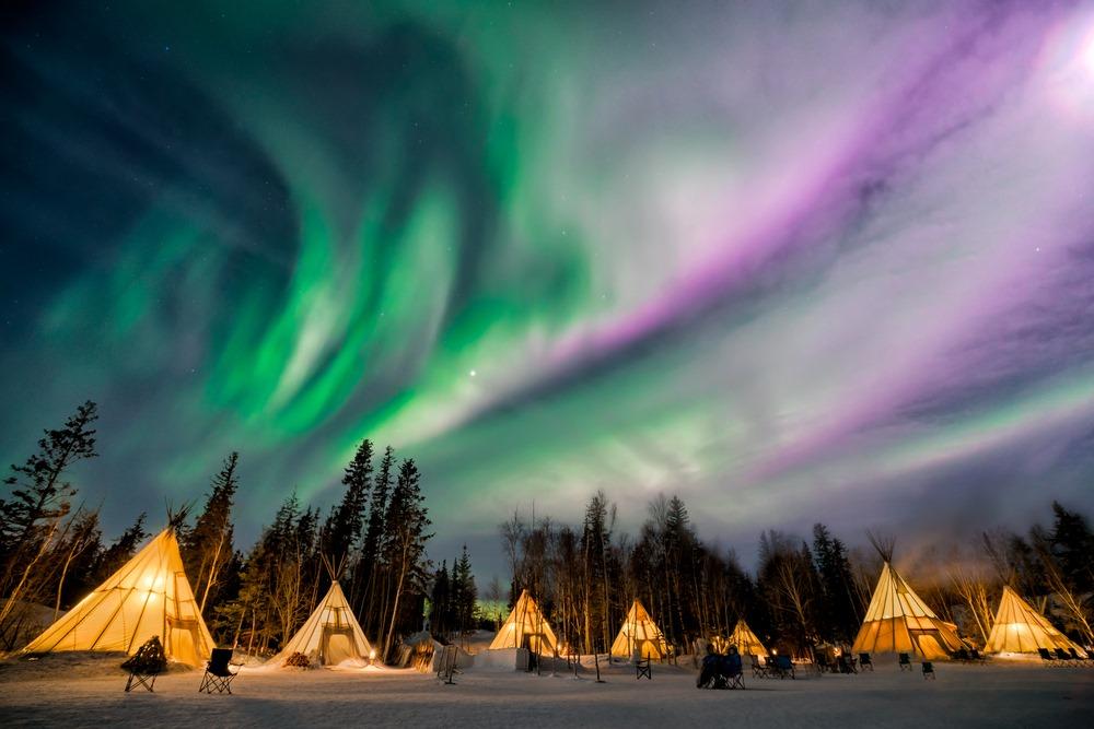 เยลโลไนฟ์ (Yellowknife) แคนาดา (Canada)